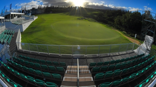 kapalua_1920_toc18_18th_green_grandstand