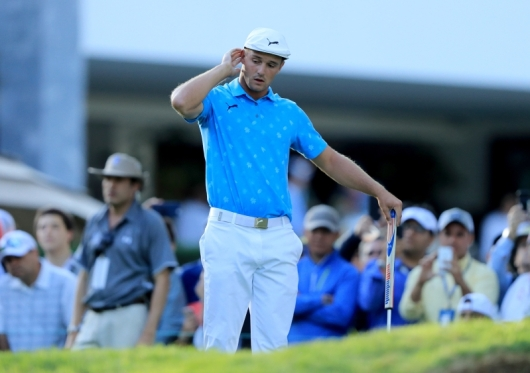 bryson-dechambeau-apologizes-after-cameras-catch-him-damaging-green-during-outburst-at-wgc-mexico-ch_288295_