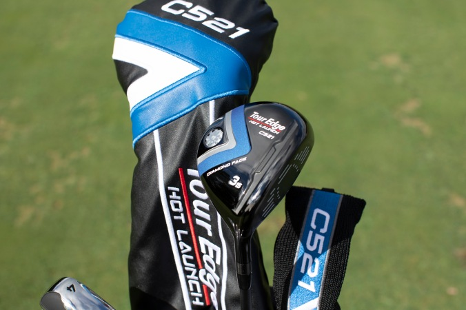 This image has an empty alt attribute; its file name is 521-c-series-3-wood-with-driver-headcover-2.jpg